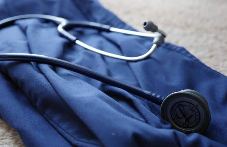 Top 10 Best Stethoscopes for Nurses in 2019 - Nurse Focus